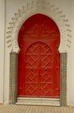 Puerta roja en Tánger Fotos de archivo