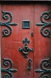 Puerta roja vieja, Normandía, Francia Fotografía de archivo libre de regalías
