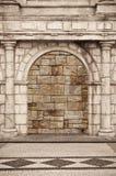 Puerta romana del ladrillo con la barrera Imagen de archivo