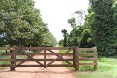 Puerta rural Fotografía de archivo libre de regalías