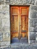 Puerta sólida vieja de madera Fotos de archivo