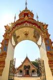 Puerta tailandesa hermosa del templo. fotografía de archivo