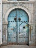 Puerta tunecina tradicional Imágenes de archivo libres de regalías