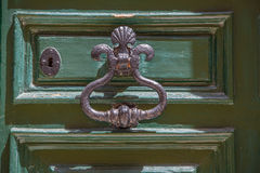 Puerta verde antigua Foto de archivo libre de regalías