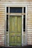 Puerta verde vieja Foto de archivo
