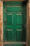 Puerta verde vieja Fotos de archivo