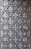 Puerta vieja con el ornamento Imágenes de archivo libres de regalías