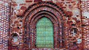 Puerta vieja de la iglesia Imágenes de archivo libres de regalías