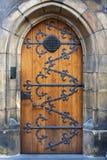 Puerta vieja de madera cerrada Fotos de archivo libres de regalías