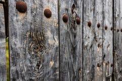 Puerta vieja de madera fotografía de archivo libre de regalías