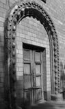 Puerta vieja en el edificio Fotografía de archivo