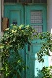 Puerta vieja verde en Bozcaada Turquía Foto de archivo libre de regalías