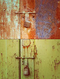 Puerta y cerradura oxidadas Fotografía de archivo