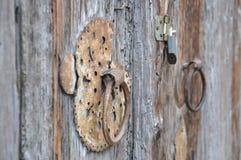 Puerta y llave inglesa Imagen de archivo libre de regalías