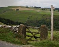 Puerta y poste Foto de archivo libre de regalías