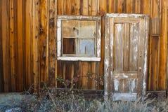 Puerta y ventana viejas fotos de archivo