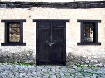 Puerta y ventanas foto de archivo libre de regalías
