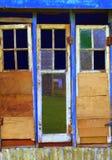 Puerta y ventanas viejas Imagenes de archivo