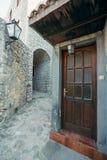 Puertas al viejo hogar de la ciudad en Ulcinj Imágenes de archivo libres de regalías