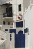 Puertas azules de Santorini Foto de archivo