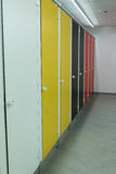 Puertas coloridas de la parada de cuarto de baño Imagenes de archivo