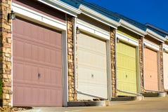 Puertas coloridas del garaje Imagen de archivo