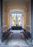 Puertas coloridas en arco de la calle Imagen de archivo