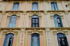 Puertas coloridas en el Chinatown, Singapur Imagen de archivo libre de regalías