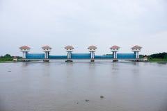 Puertas de agua. Imagen de archivo