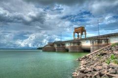 Puertas de agua de la presa (HDR) Fotografía de archivo libre de regalías