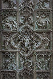 Puertas de bronce famosas de Milan Cathedral, Italia Fotografía de archivo libre de regalías