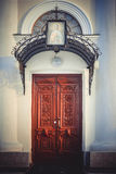 Puertas de entrada a la iglesia de St Mary Magdalene Foto de archivo