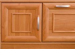 Puertas de gabinete de madera Fotos de archivo