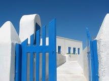 Puertas de la casa de Santorini Imágenes de archivo libres de regalías