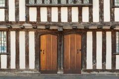 Puertas de la casa de Tudor Fotos de archivo libres de regalías