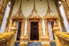 Puertas de la iglesia en el templo, Tailandia Imagen de archivo libre de regalías