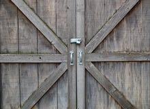 Puertas de madera bloqueadas Fotos de archivo libres de regalías