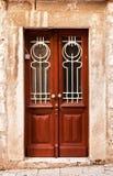 Puertas de madera de Brown en Dubrovnik, Croatia Fotografía de archivo libre de regalías