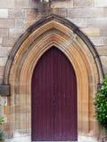 Puertas de madera de la inserción de la iglesia vieja de la piedra arenisca, Sydney, Australia fotos de archivo