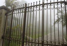 Puertas de una mansión imagenes de archivo
