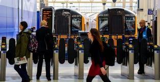 Puertas del boleto de la estación de Waterloo Foto de archivo libre de regalías