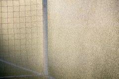 Puertas del deporte del fútbol del fútbol en campo lluvioso Foto de archivo