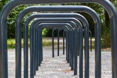 Puertas del estacionamiento cerca de los plas de Zoetermeerse, Países Bajos de la bicicleta imagen de archivo