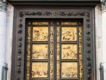 Puertas del este al aire libre del baptisterio en Florencia Imágenes de archivo libres de regalías