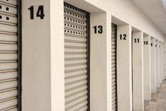 Puertas del garage fotos de archivo