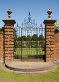 Puertas del hierro labrado de la casa de señorío de Packwood Fotografía de archivo