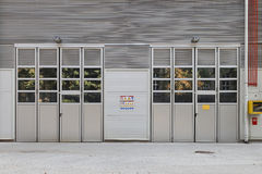 Puertas de la fábrica Fotos de archivo