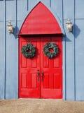 Puertas dobles rojas imagen de archivo libre de regalías