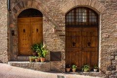 Puertas en Toscana Imagenes de archivo