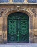 Puertas europeas viejas Fotos de archivo libres de regalías